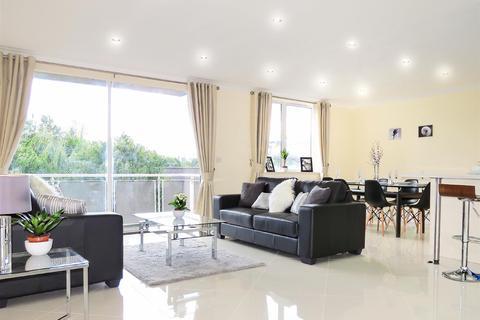 3 bedroom apartment for sale - Regent Court, North Bank, St Johns Wood