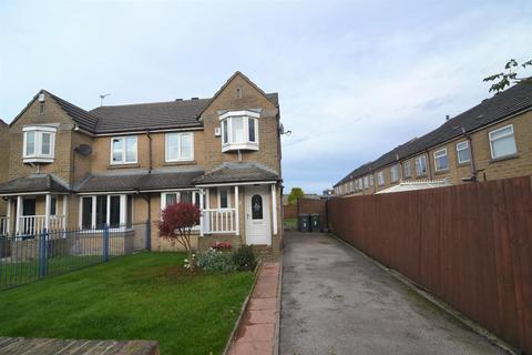 3 bedroom semi-detached house for sale - Lewis Close, Queensbury, Bradford