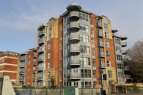 2 bedroom flat to rent - Redcliffe Backs, Bristol