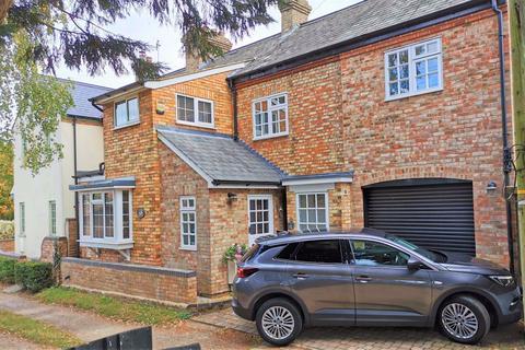 4 bedroom semi-detached house to rent - Claridges Lane, Ampthill, Bedfordshire