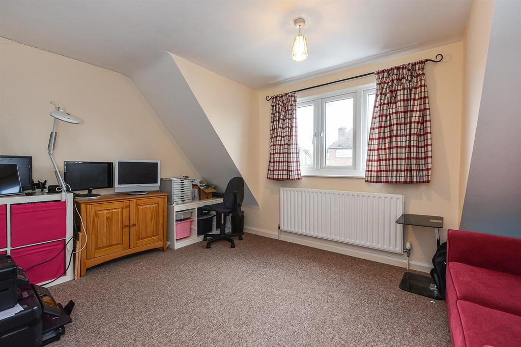 Love Lane, Andover 4 bed house for sale - £410,000