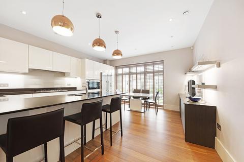 5 bedroom property to rent - Dora Road, SW19