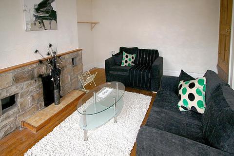 2 bedroom property to rent - 69 Beechwood View, Burley