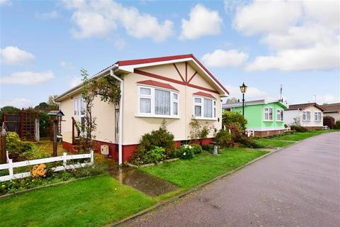 2 bedroom park home for sale - Seasalter Road, Graveney, Faversham, Kent