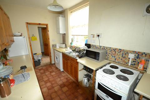 4 bedroom property to rent - Thurlow Road, Clarendon Park, Leicester, LE2 1YE