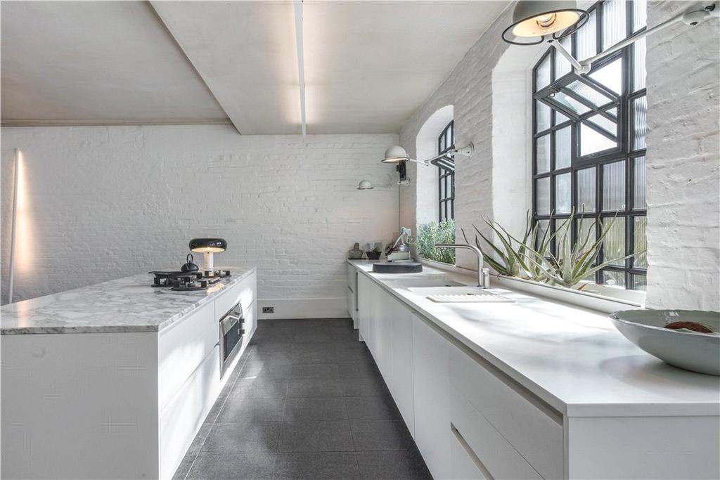 E2: Kitchen