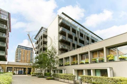 3 bedroom flat for sale - West Carriage House, Royal Carriage Mews, Royal Arsenal Riverside SE18