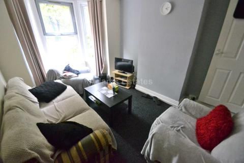 4 bedroom terraced house to rent - St Bartholomews Road, Reading