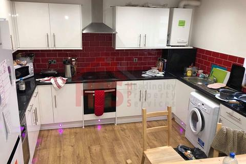 6 bedroom house share to rent - 8A Hyde Park Terrace, Hyde Park, Leeds LS6