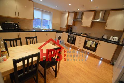 8 bedroom house share to rent - 64 Queen's Road, Hyde Park, Hyde Park, Leeds LS6