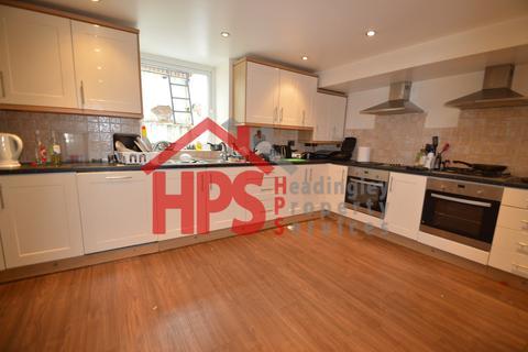10 bedroom house share to rent - 76 Headingley Avenue, Headingley, Leeds LS6