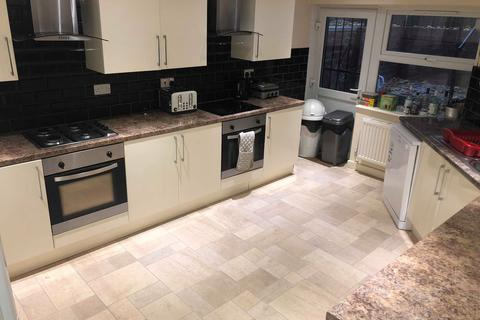 9 bedroom house share to rent - 26 Estcourt Avenue, Headingley, Leeds LS6