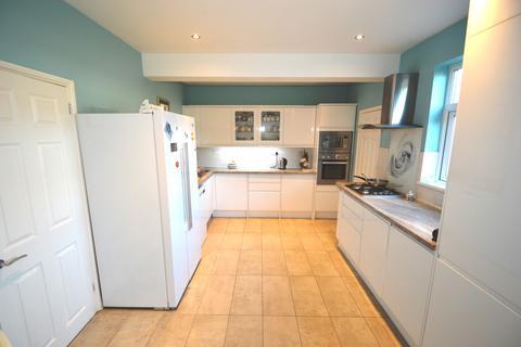4 bedroom semi-detached house to rent -  Barrington Road,  Bexleyheath, DA7