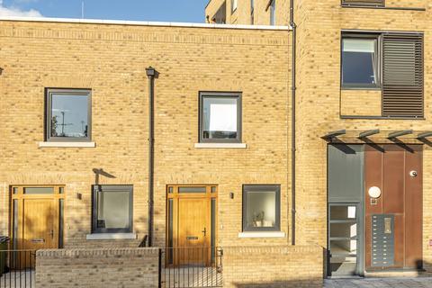 2 bedroom terraced house for sale - Pelton Road London SE10