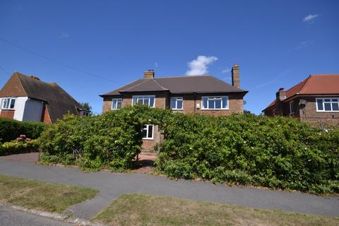 4 bedroom detached house to rent - Cooden Drive, Bexhill On Sea, TN39