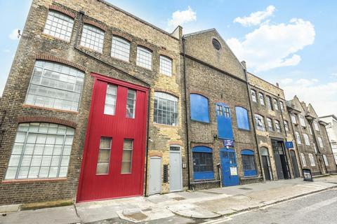 1 bedroom flat for sale - Queens Row, Walworth