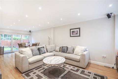 4 bedroom detached house for sale - Sylvana Close, Hillingdon, Middlesex, UB10
