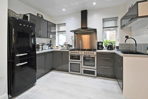3 bedroom semi-detached house for sale - Leek Road, Stoke-on-Trent
