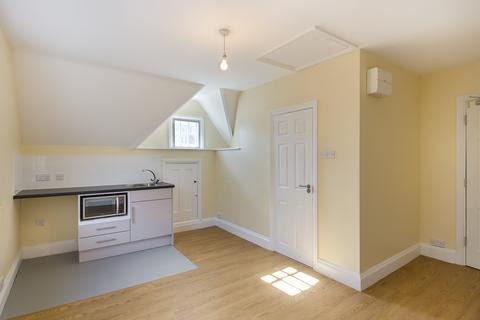 Studio to rent - Maison Dieu Road, Dover