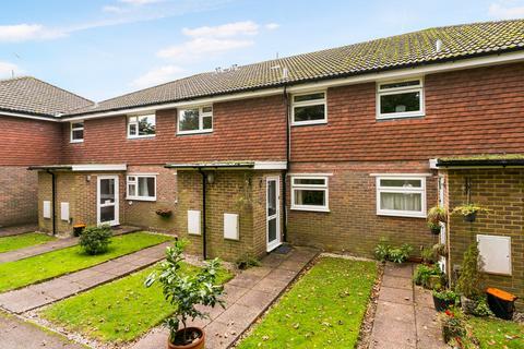 2 bedroom flat for sale - Bucklers Close, Tunbridge Wells