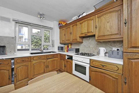 3 bedroom apartment to rent - Fairfield Gardens, Crouch End, London