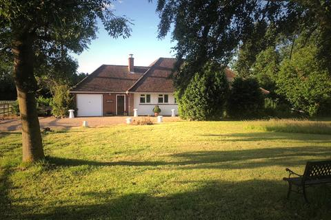 3 bedroom detached bungalow for sale - Bradwell-On-Sea