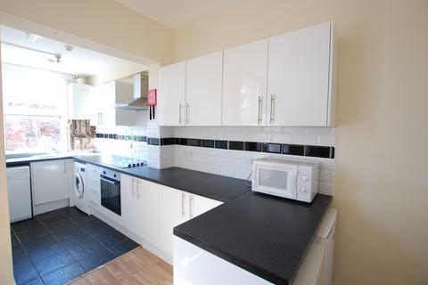 6 bedroom terraced house to rent - School Road, Crookes