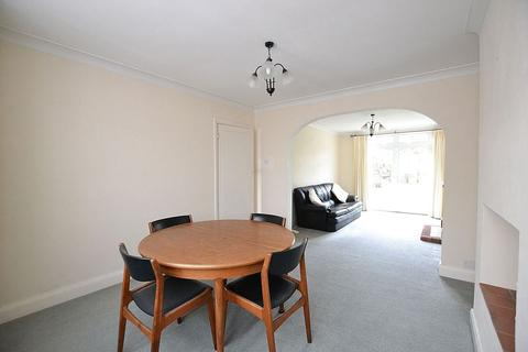 3 bedroom terraced house to rent - Chatsworth Avenue, Bromley
