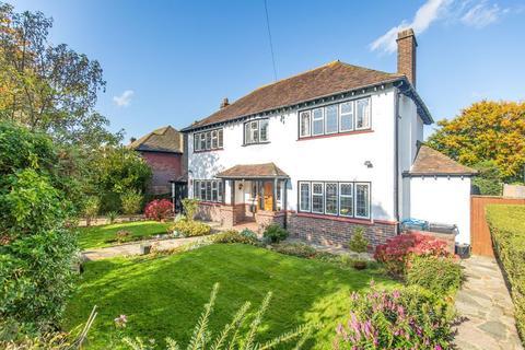 4 bedroom detached house for sale - Glebe Hyrst, Sanderstead, South Croydon, CR2 9JF