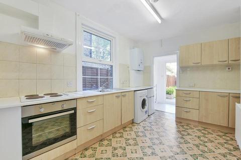 4 bedroom end of terrace house to rent - Wearside Road, London SE13