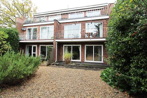 2 bedroom flat to rent - 9 Station Road , Ashley Cross, Poole