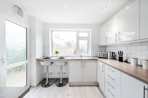 4 bedroom house share to rent - Carlton Road, Ashton Under Lyne,