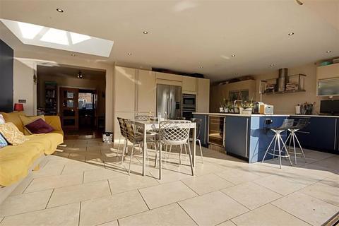 3 bedroom semi-detached house for sale - The Gardens, Brookmans Park, Hertfordshire