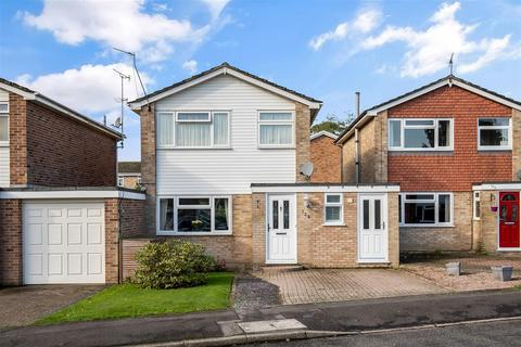 3 bedroom link detached house for sale - Grasmere Road, Kennington, Ashford