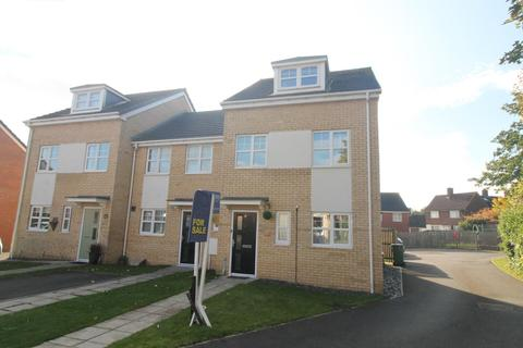 3 bedroom townhouse for sale - Aristotle Drive, Stockton-On-Tees