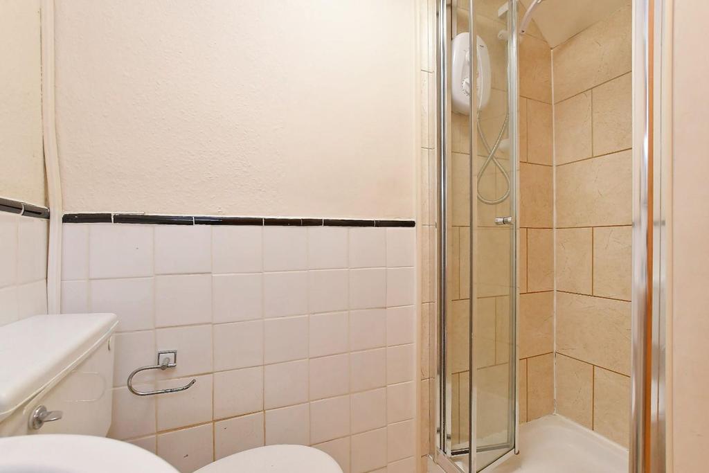 47 Brighton Terrace   top floor shower room.jpg