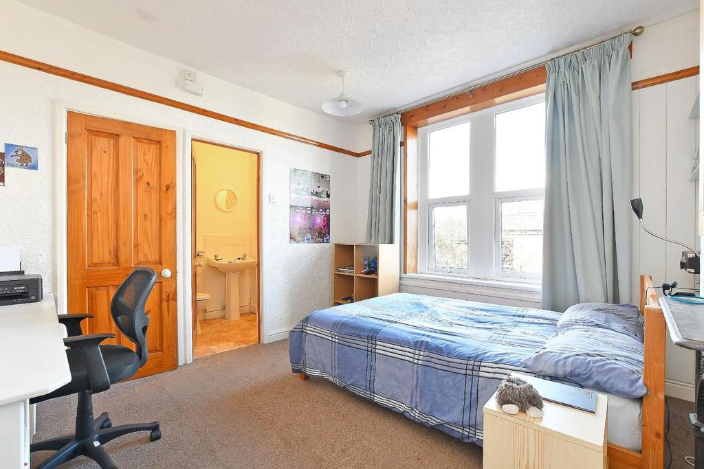 47 Brighton Terrace   bedroom 2.jpg