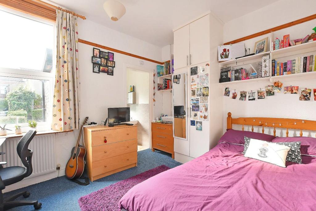47 Brighton Terrace   bedroom 3.jpg