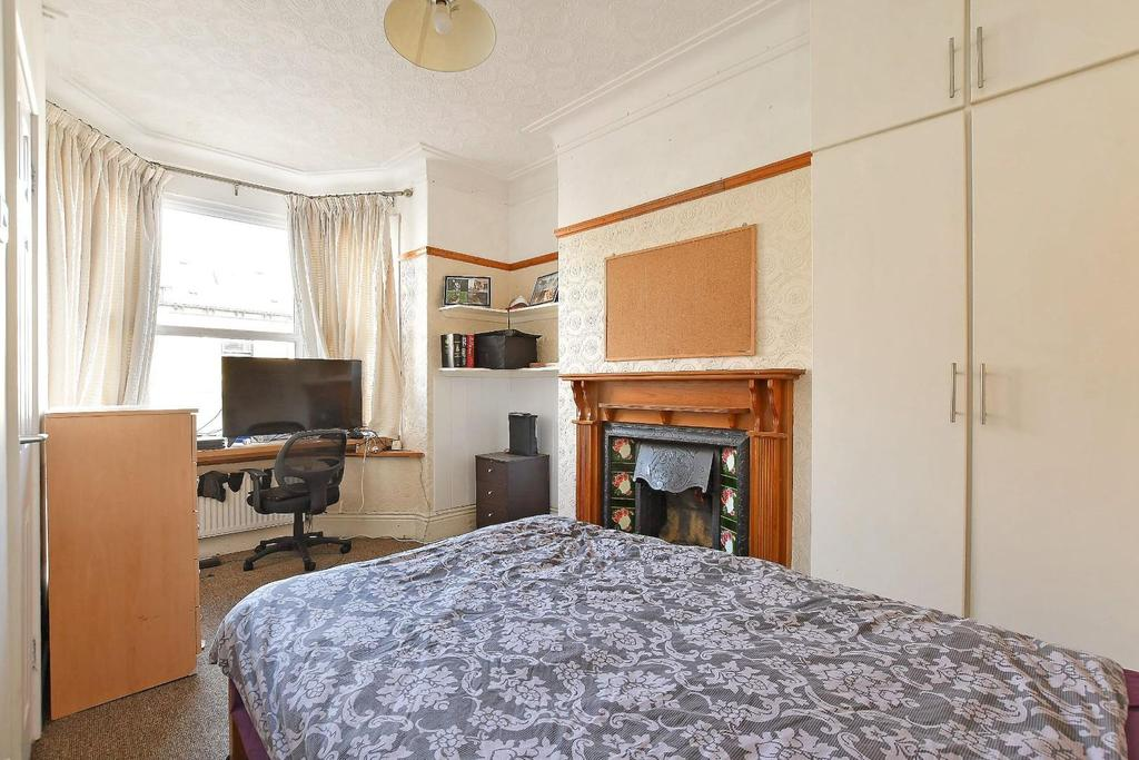 47 Brighton Terrace   bedroom 1.jpg