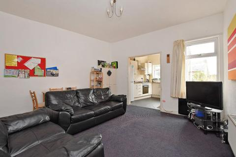 4 bedroom house to rent - 21 Coombe Road, Crookes, S10 1FF