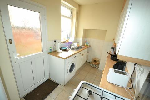 3 bedroom property to rent - Cradock Road, Clarendon Park, Leicester, LE2 1TD