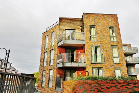2 bedroom flat for sale - Townhouse Square, Crayford, Kent, DA1 4FH