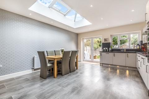 3 bedroom terraced house for sale - Ballamore Road Bromley BR1