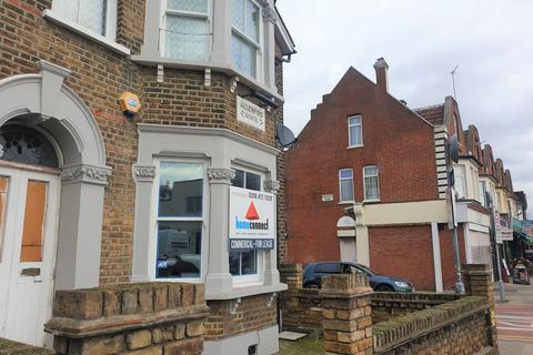 Property to rent - Ley Street, Ilford, IG1