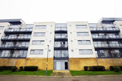 2 bedroom apartment for sale - Defence Close, West Thamesmead
