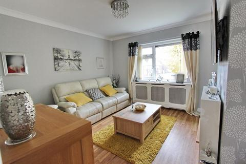 2 bedroom maisonette for sale - Welbeck Close, Whitefield, Manchester