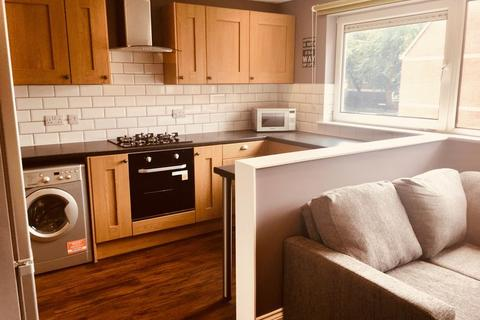 4 bedroom apartment to rent - Dunsmore Close, Southsea