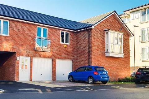 2 bedroom coach house for sale - Andrews Close- SPACIOUS DOUBLE BEDROOM
