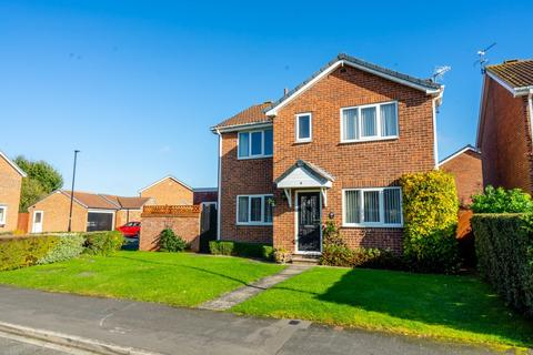 4 bedroom detached house for sale - Cairnborrow, York