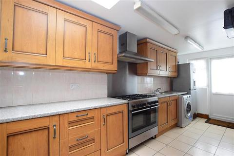 4 bedroom end of terrace house for sale - Church Road, Leyton, London